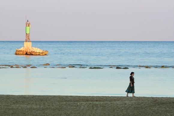 Fotografía de una chica en la playa