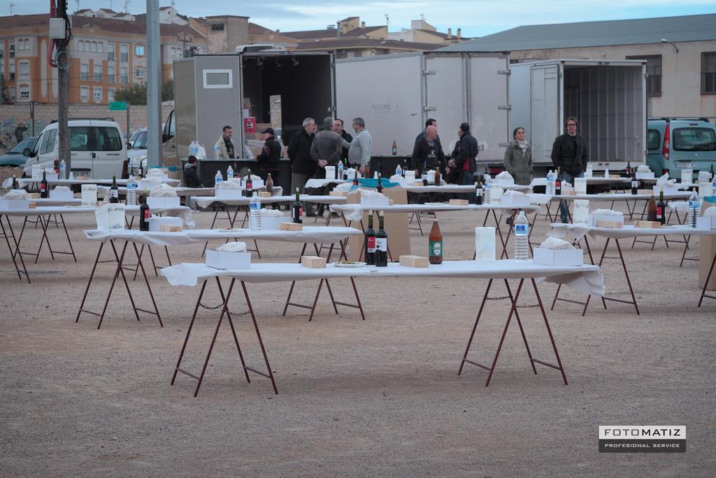La mesas  preparado para las gachasmigas en Yecla
