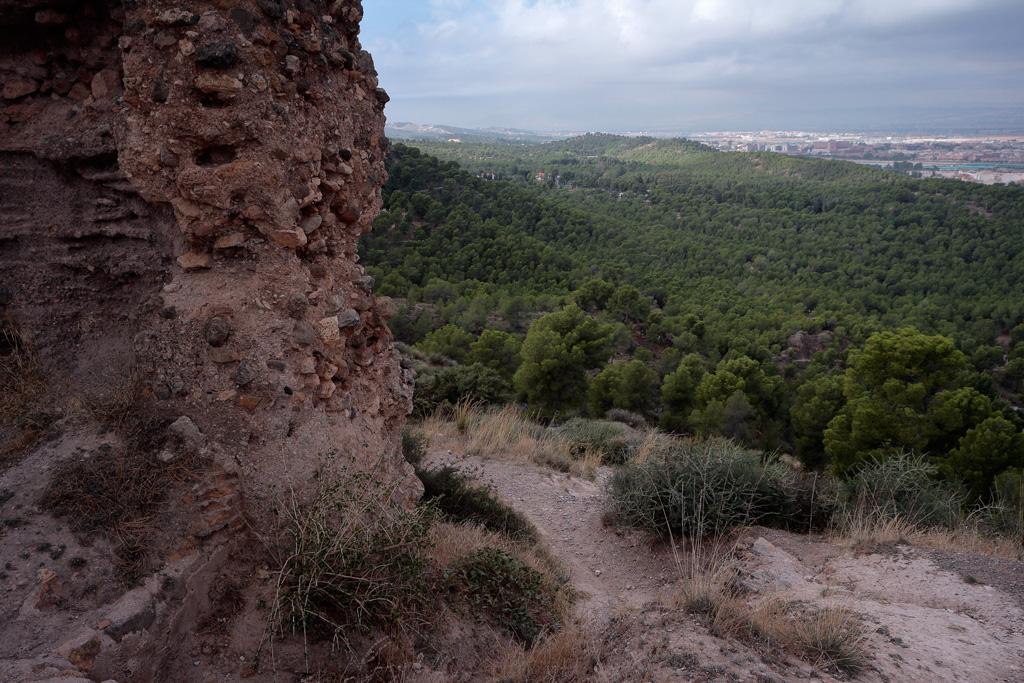 Parte del murcia del Castillo y al fondo el hospital la Arrixaca en el Palmar