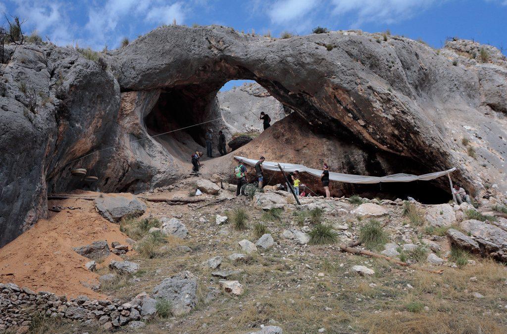 Excursión a la excavación del conjunto del Arco de Cieza
